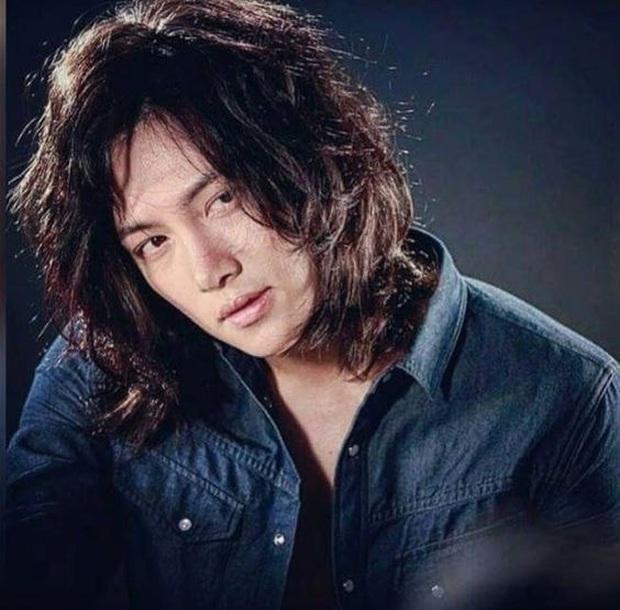 Khi tài tử cực phẩm phải bó tay vì tóc khó đỡ: Song Joong Ki - Hyun Bin hóa thím, ngã ngửa khi kéo đến Park Seo Joon - Ảnh 13.