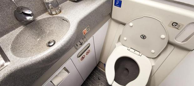 10 điều mà tiếp viên hàng không luôn muốn hành khách biết và tuân theo trong các chuyến bay: Chúng tôi chỉ muốn tốt cho bạn thôi! - Ảnh 3.