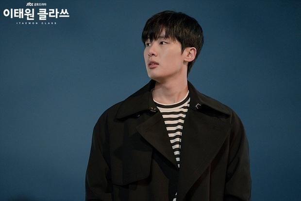 8 diễn viên phụ nổi bật phim Hàn đầu 2020: Kwon Nara gây tranh cãi dữ dội, chị đẹp Triều Tiên rút cạn nước mắt dân tình - Ảnh 13.
