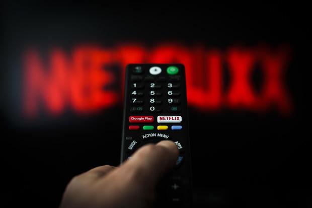 Thời lên ngôi của Netflix và các dịch vụ xem phim trực tuyến: Xu hướng thưởng thức điện ảnh tiết kiệm lại an toàn - Ảnh 3.