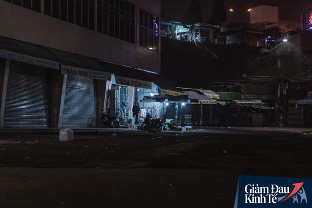 """Tin được không, Đà Lạt đã được trả về một """"thành phố buồn"""" đúng nghĩa: Hàng quán đóng cửa hàng loạt, dòng người lác đác vắng chưa từng thấy - Ảnh 11."""