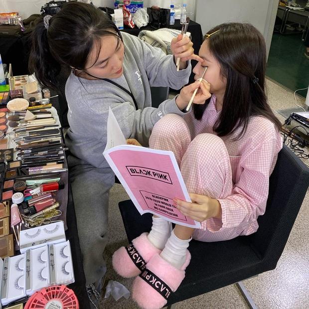 Ngắm thời trang mặc nhà của sao Hàn, bạn sẽ muốn tậu vài ba bộ pyjama ngay vì thoải mái mà vẫn cute thế này cơ mà - Ảnh 1.