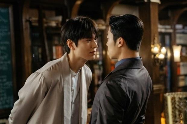 Bệ Hạ Bất Tử của Lee Min Ho chưa chiếu đã có phốt: Nam diễn viên bất ngờ bị cắt vai, ekip im lặng như chưa hề có cuộc chia ly  - Ảnh 2.