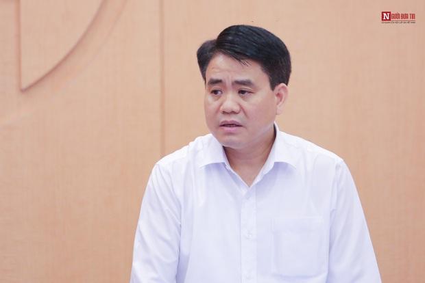 Chủ tịch Hà Nội: Ổ dịch BV Bạch Mai hết sức phức tạp, trên 10 ca dương tính với Covid-19 đang chờ bộ Y tế công bố - Ảnh 1.
