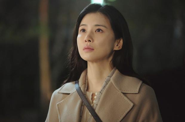 Chị đại Lee Bo Young tái xuất đối đầu trực diện Lee Min Ho ở dự án kế nhiệm xịn không kém Hi Bye, Mama - Ảnh 4.