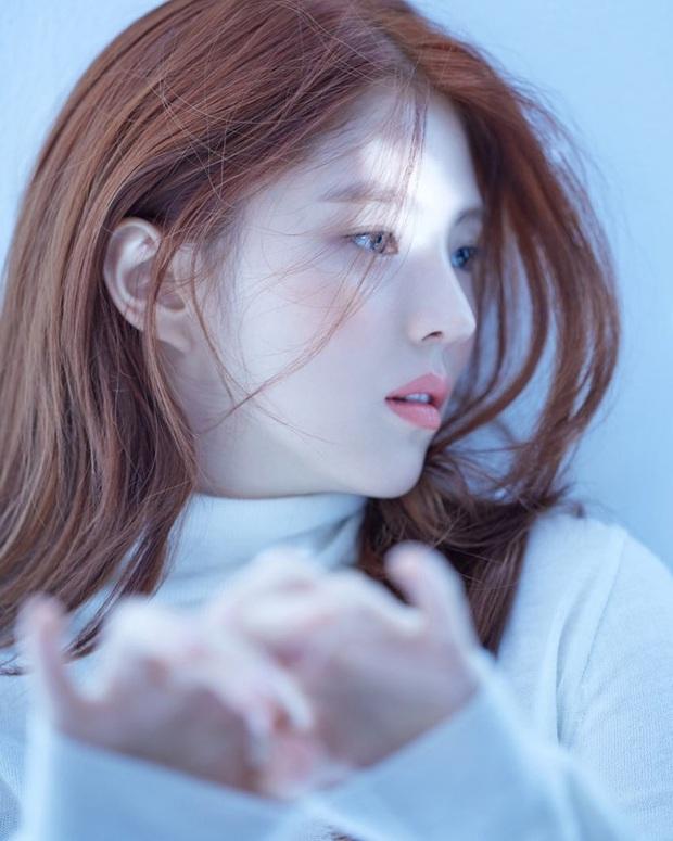 """""""Bản sao"""" của Song Hye Kyo - Han So Hee lộ ảnh nổi loạn thời quá khứ nhưng phản ứng của Knet độc miệng mới bất ngờ - Ảnh 9."""