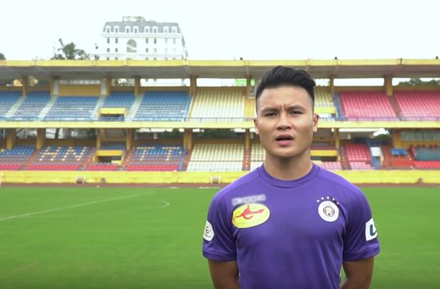 Cầu thủ Quang Hải chia sẻ việc thi đấu giữa mùa dịch Covid-19: Sân bóng không có khán giả - Ảnh 4.