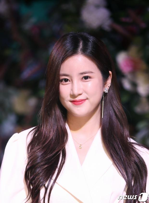 Knet choáng trước số mỹ nhân Hàn bước sang tuổi 30 năm nay: Toàn thánh hack tuổi, mỹ nữ đẹp nhất thế giới cũng góp mặt - Ảnh 12.