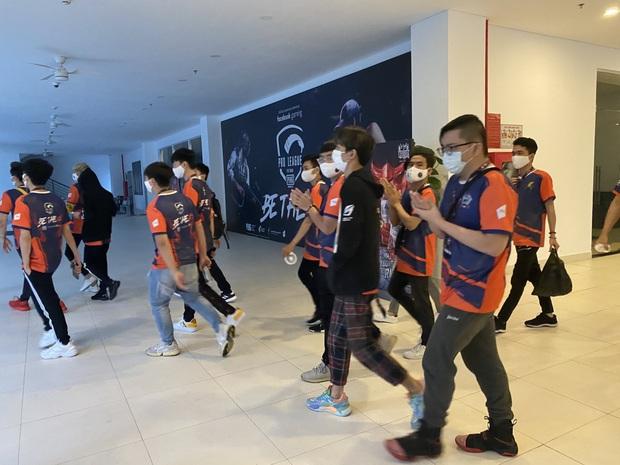 Để hơn 100 người tham gia giải game online bất chấp lệnh cấm, Cocobay Đà Nẵng bị phạt 15 triệu đồng - Ảnh 4.