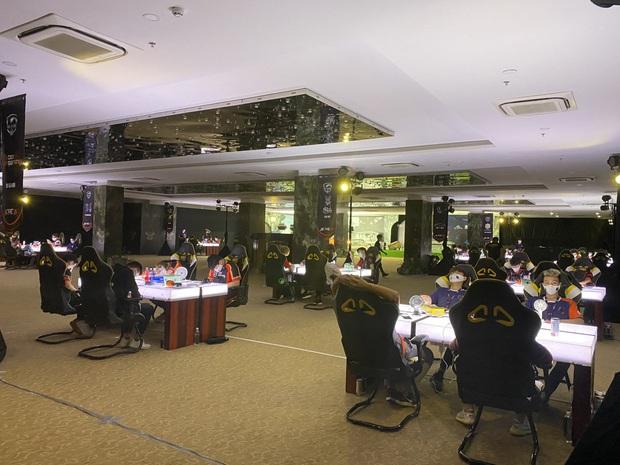 Để hơn 100 người tham gia giải game online bất chấp lệnh cấm, Cocobay Đà Nẵng bị phạt 15 triệu đồng - Ảnh 2.