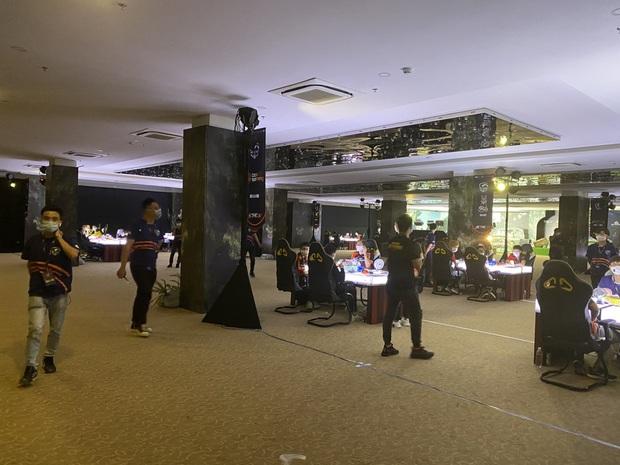 Để hơn 100 người tham gia giải game online bất chấp lệnh cấm, Cocobay Đà Nẵng bị phạt 15 triệu đồng - Ảnh 3.