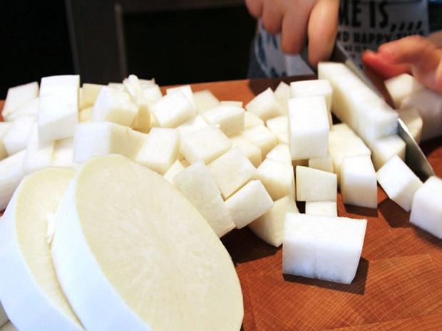 Khổ sở vì gặp cảnh táo bón: Tìm ngay 5 loại thực phẩm là thuốc nhuận tràng tự nhiên dành cho bạn - Ảnh 6.