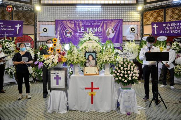 Trịnh Kim Chi, Ốc Thanh Vân nghẹn ngào bật khóc, gia đình thất thần đưa tiễn Mai Phương về nơi an nghỉ cuối cùng - Ảnh 2.