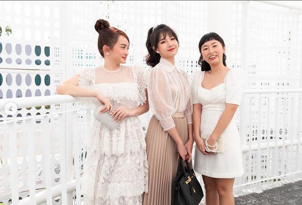 """Hội bạn thân Vbiz cực chăm pha trò: BB Trần - Hải Triều không ngại mất hình tượng, """"bá đạo"""" nhất là gia đình Hoa dâm bụt - Ảnh 19."""
