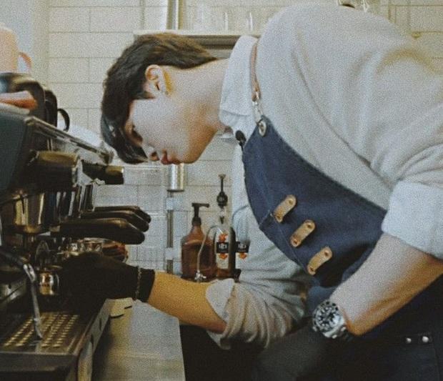 Lộ diện hình ảnh được cho là SMTown Cafe tại Việt Nam nhưng dân tình lại phát sốt vì dàn nhân viên pha chế - Ảnh 3.