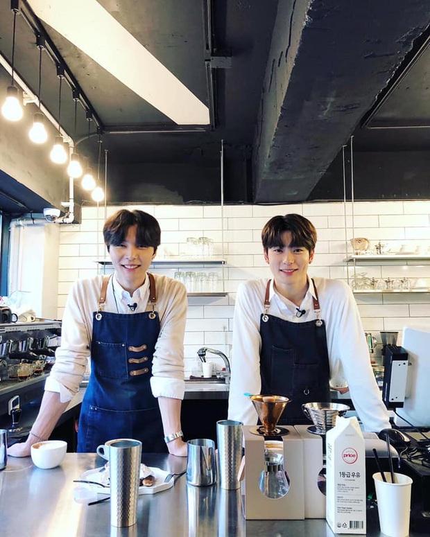 Lộ diện hình ảnh được cho là SMTown Cafe tại Việt Nam nhưng dân tình lại phát sốt vì dàn nhân viên pha chế - Ảnh 4.