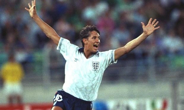 """Chuyện chưa kể về khoảnh khắc nhục nhã của huyền thoại bóng đá Anh, khi phải cúi mặt xấu hổ vì """"vãi ra quần"""" ở World Cup - Ảnh 1."""