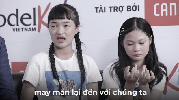 Thì ra đây là lý do HLV Mâu Thủy không đứng dậy chào đón thành viên mới từ đội HLV Quang Đại - Ảnh 3.