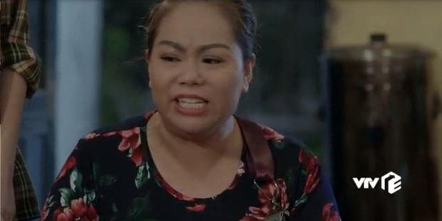 3 kiểu chủ trọ quái chiêu trên màn ảnh Việt, cô Đồng của Nhà Trọ Balanha còn chơi lớn bắt trend mùa Cô Vy? - Ảnh 6.