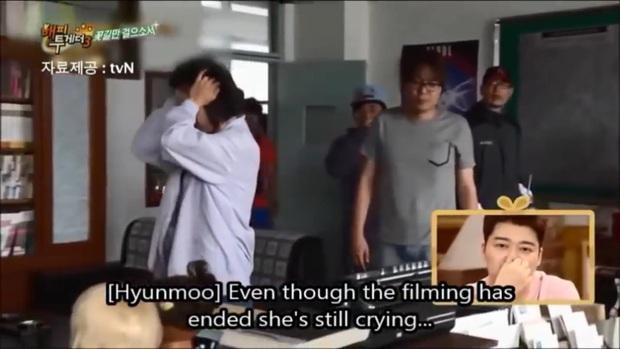 5 cảnh huyền thoại của REPLY 1988: Hết cười sảng vì Duk Sun trát phấn như ma đến ám ảnh vì tiếng khóc của ông bố quốc dân Sung Dong Il - Ảnh 11.