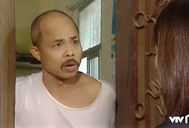 3 kiểu chủ trọ quái chiêu trên màn ảnh Việt, cô Đồng của Nhà Trọ Balanha còn chơi lớn bắt trend mùa Cô Vy? - Ảnh 10.