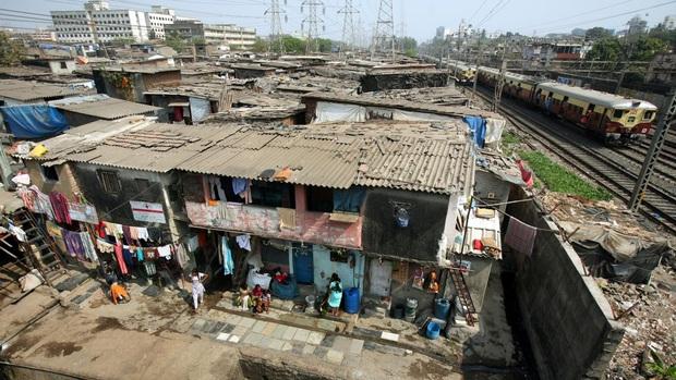 1 toilet, ngàn người sử dụng: Khi cách ly trở thành đặc quyền của giới nhà giàu Ấn Độ, còn dân nghèo thì không thể - Ảnh 3.