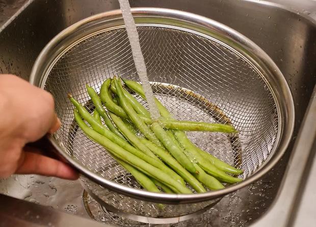 Bí quyết sơ chế thực phẩm vừa có lợi cho sức khoẻ và nấu ngon cho cả nhà trong thời gian ở nhà tránh dịch - Ảnh 3.