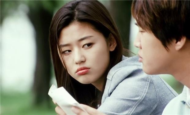 Sẵn loạt ảnh thời hoàng kim Jeon Ji Hyun bỗng sốt lại, xem ngay Cô Nàng Ngổ Ngáo để ngắm cho kĩ nhan sắc tuyệt trần của mợ chảnh - Ảnh 3.