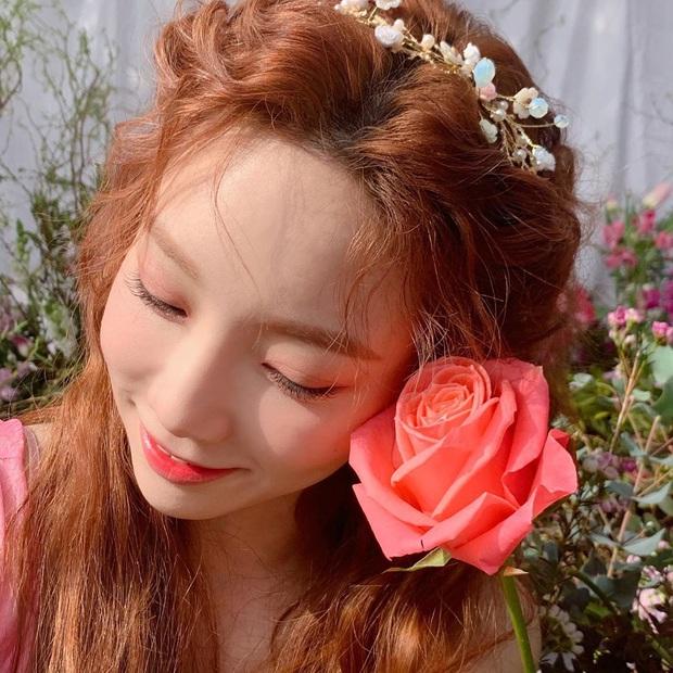 Loạt hình nhá hàng mới của Taeyeon đang khiến cả MXH bấn loạn: Không phải Yoona, visual của SNSD là đây chứ đâu! - Ảnh 9.