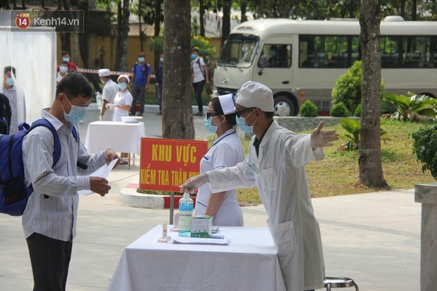 Ảnh: Diễn tập tình huống trên 30.000 người mắc Covid-19 tại Việt Nam - Ảnh 5.