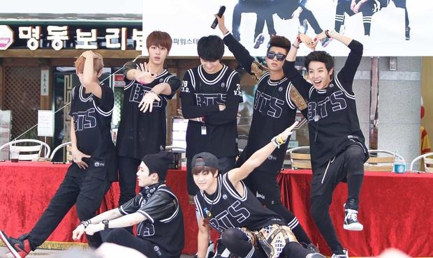 Trước khi thành Idol toàn cầu, BTS cũng phải chật vật để có thời gian lên hình khi đi show từ lúc debut - Ảnh 1.