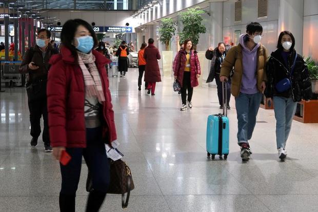 Số ca nhiễm mới Covid-19 ở Trung Quốc giảm 3 ngày liên tiếp: Hồ Bắc quyết tâm ngăn dịch tái bùng phát; Bắc Kinh, Thượng Hải có động thái mới - Ảnh 2.