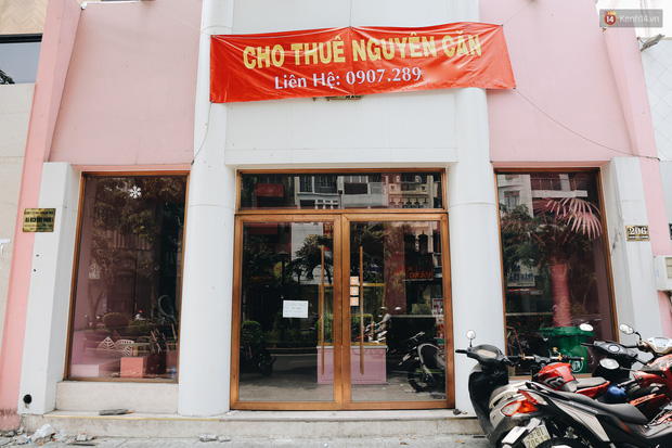 Giá thuê hàng nghìn USD/tháng nhưng nhiều cửa hàng trên đường Phan Xích Long phải ngưng hoạt động vì dịch Covid-19 - Ảnh 2.