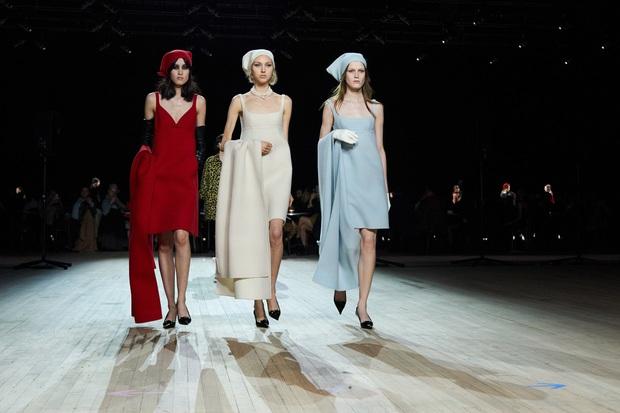 7 BST xứng danh BEST của New York Fashion Week: Lọt thỏm một cái tên mới toanh từng khiến Lady Gaga bật khóc - Ảnh 1.