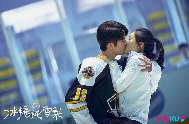 Bom tấn cổ trang Cô Thành Bế và loạt phim Hoa Ngữ đình đám đổ bộ truyền hình tháng 3 - Ảnh 14.