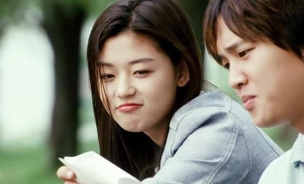 Sẵn loạt ảnh thời hoàng kim Jeon Ji Hyun bỗng sốt lại, xem ngay Cô Nàng Ngổ Ngáo để ngắm cho kĩ nhan sắc tuyệt trần của mợ chảnh - Ảnh 4.