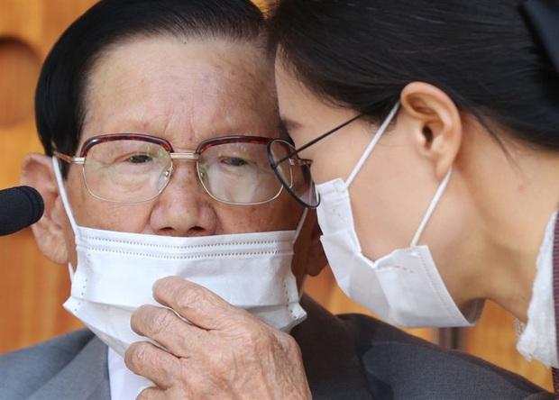 Chính quyền chỉ đạo đột kích cơ sở Tân Thiên Địa, cưỡng chế giáo chủ xét nghiệm virus corona - Ảnh 3.