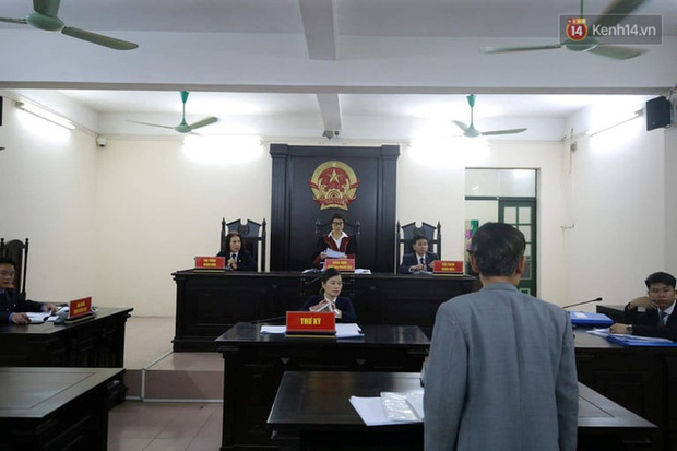 Hoãn phiên xét xử ông Hiệp khùng vụ cháy nhà trọ làm 2 người chết ở Đê La Thành - Ảnh 7.