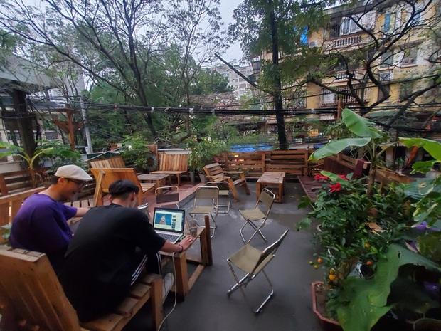 Chủ quán cafe bị bão 1 sao vì mắng khách: Cùng lắm thì chúng tôi khóa Fanpage - Ảnh 1.