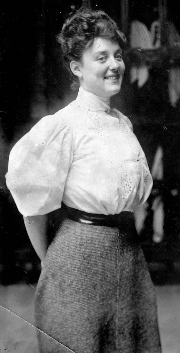 Cuộc đời không theo khuôn phép của người phụ nữ hoàn hảo, tiên phong mặc đồ bơi bó sát và diễn cảnh nóng trên màn bạc thế giới - Ảnh 1.