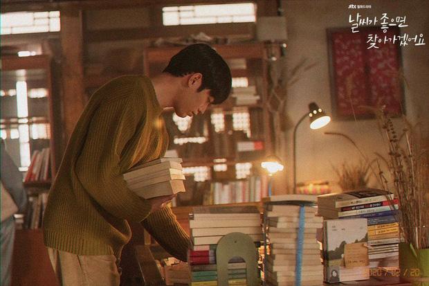 Review Trời Đẹp Em Sẽ Đến: Bộ phim lãng mạn thanh lọc tâm hồn của Park Min Young, mê drama gay gắt thì né ngay còn kịp - Ảnh 10.