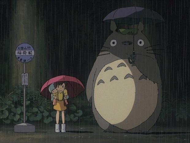 Mê phim hoạt hình Totoro, đôi vợ chồng già cặm cụi làm trạm xe bus độc nhất vô nhị, khách thi nhau tìm đến chụp ảnh - Ảnh 1.