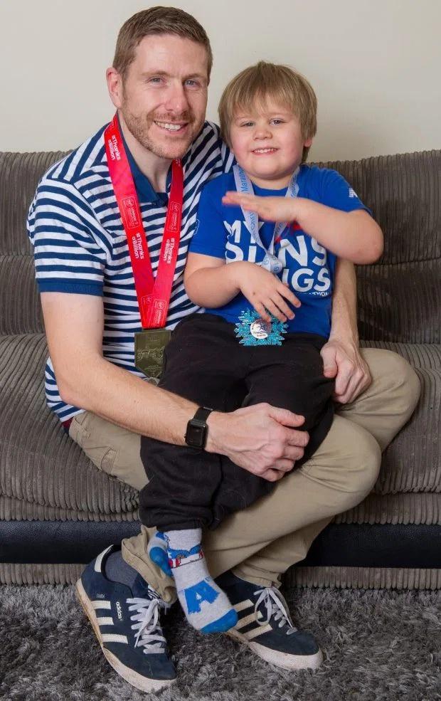 Ông bố trẻ giảm 50kg chỉ sau 5 tháng vì thương con và muốn đủ sức khỏe để chăm sóc đứa con bị bại não - Ảnh 5.