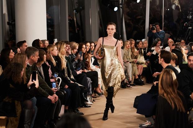 7 BST xứng danh BEST của New York Fashion Week: Lọt thỏm một cái tên mới toanh từng khiến Lady Gaga bật khóc - Ảnh 14.