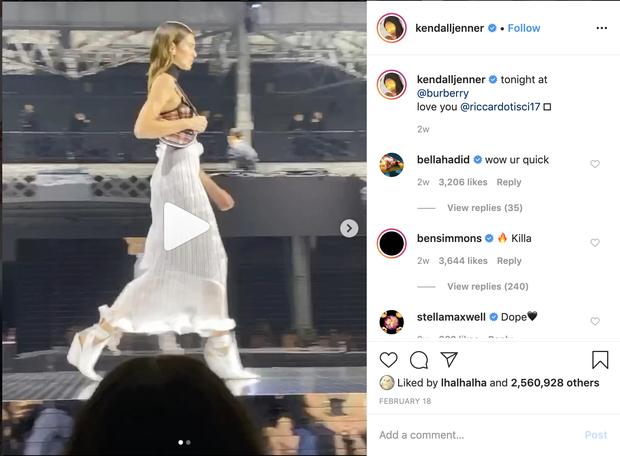 Bỏ quên bạn trai nằm nhà trị chấn thương, Kendall Jenner thả dáng sexy hết cỡ cùng bộ bikini siêu tí hon - Ảnh 3.