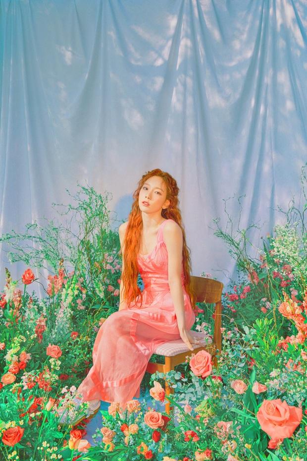 Loạt hình nhá hàng mới của Taeyeon đang khiến cả MXH bấn loạn: Không phải Yoona, visual của SNSD là đây chứ đâu! - Ảnh 4.