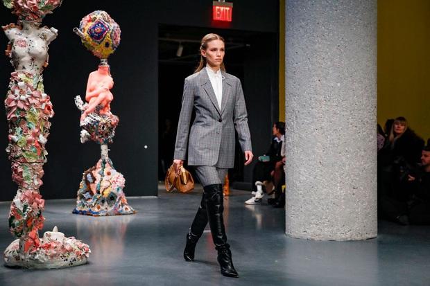 7 BST xứng danh BEST của New York Fashion Week: Lọt thỏm một cái tên mới toanh từng khiến Lady Gaga bật khóc - Ảnh 12.