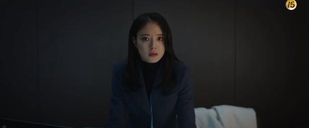 Yoo Seung Ho lộ sở thích đụng chạm người lạ, già trẻ gái trai đều không tha ở teaser Memorist tập 1 - Ảnh 4.