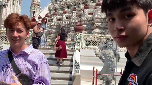 Bắt quả tang Ngô Kiến Huy và Jun Phạm rủ nhau đi mảnh sang Bangkok lên chùa để... cầu duyên - Ảnh 3.