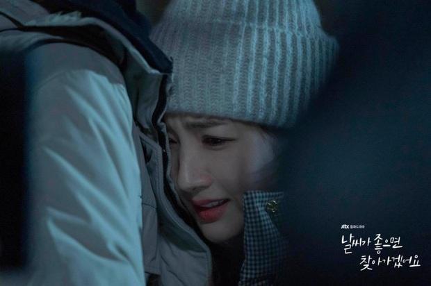 Review Trời Đẹp Em Sẽ Đến: Bộ phim lãng mạn thanh lọc tâm hồn của Park Min Young, mê drama gay gắt thì né ngay còn kịp - Ảnh 3.